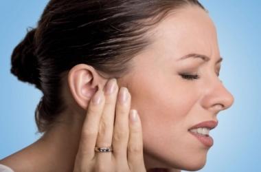 ATM Causa Pressão nos Ouvidos?